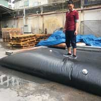 Flexible 30 cu m water bags made of puncture-resistant multilayer
